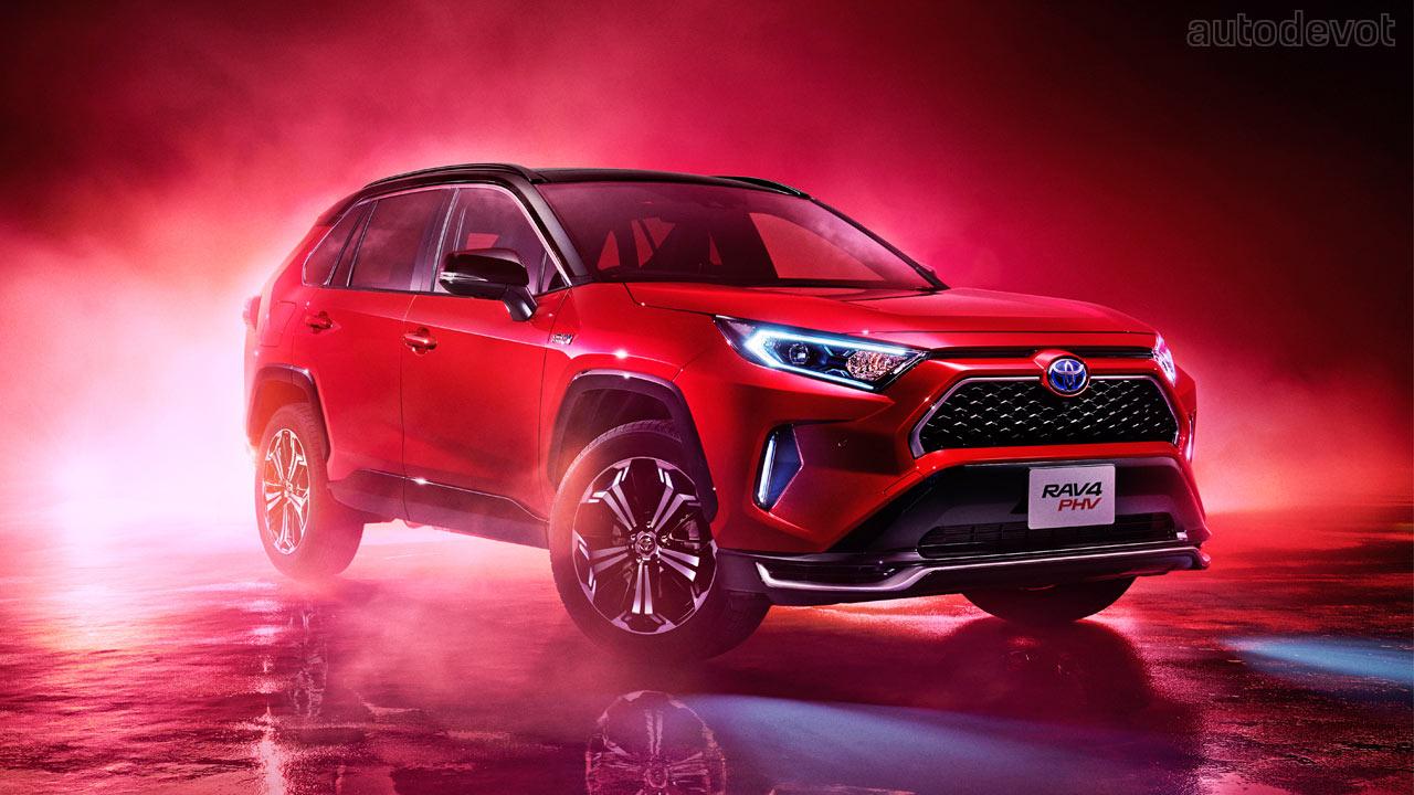 Toyota RAV4 для японского рынка подготовился к новому модельному году: изменения незначительны и относятся к сфере оснащения.