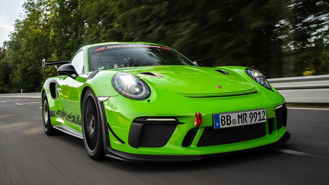 The talented Manthey Racing Team isn't just headquartered not far from the Nürburgring, but has already won six 24-hour endurance races there. Recently, it has come out with this Porsche 911 GT3 RS tuning kit that is guaranteed to be efficient – it was tested on the 'Ring, after all.
