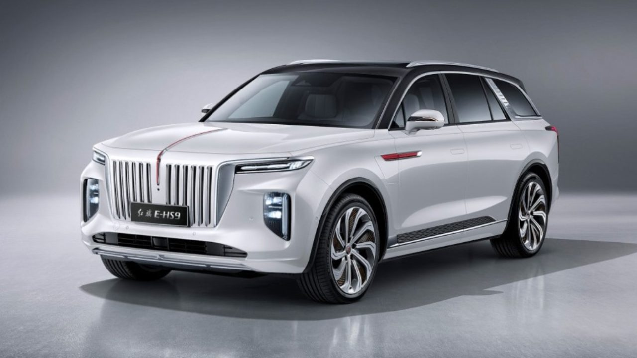 Hongqi has finally revealed the E-HS9, its first deluxe SUV based on the E115 Concept. Sales should start before the year end.