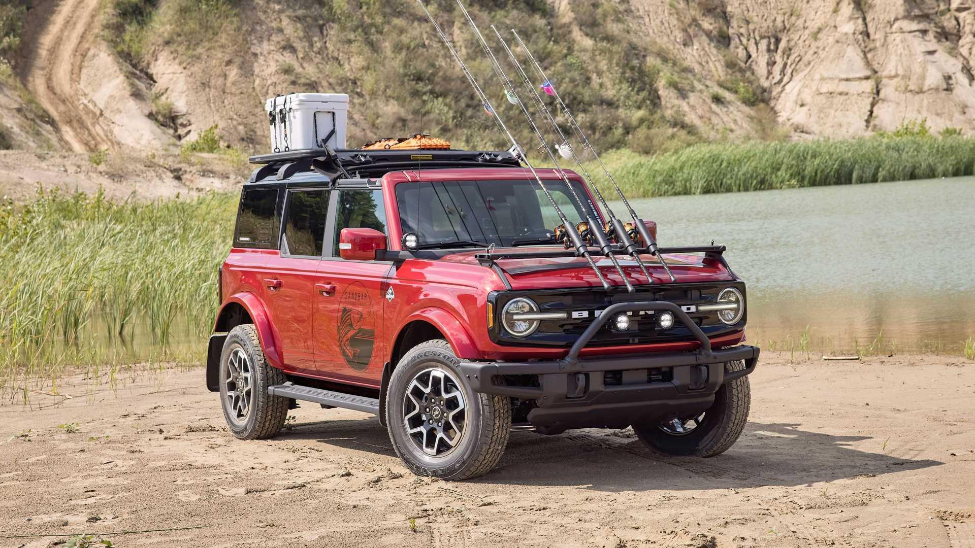 Во время премьеры «Бронко» Ford заявил, что для модели будут доступны более 200 заводских опций, а теперь он решил продемонстрировать их на конкретных примерах. Взглянем?