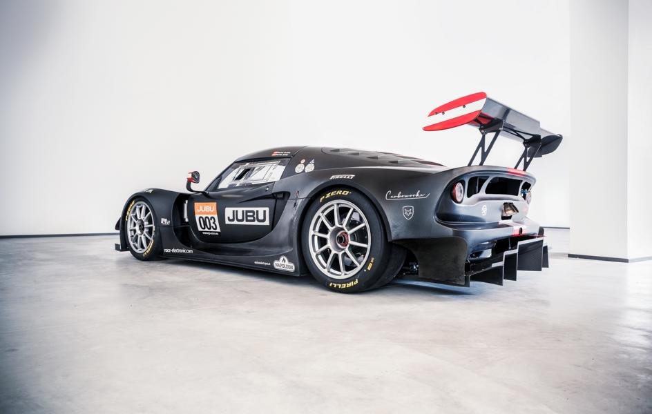 Martin Jung, founder and owner of JUBU Performance, Austria – has always dreamt of driving a racecar with rapid dynamics, intuitive steering, and simple maintenance. This is how JP ZERO was born, a GT2 series racer with 960 kg of weight and 610 hp hitting the wheels.