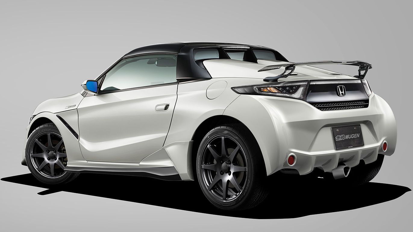 The Honda S660 is a truly beautiful mid-engine compact roadster that frankly wouldn't look out of place in Europe or the USA – but it doesn't sell outside of Japan. Throw a glance at the latest body kit for it by Mugen, and the injustice will hurt especially badly.