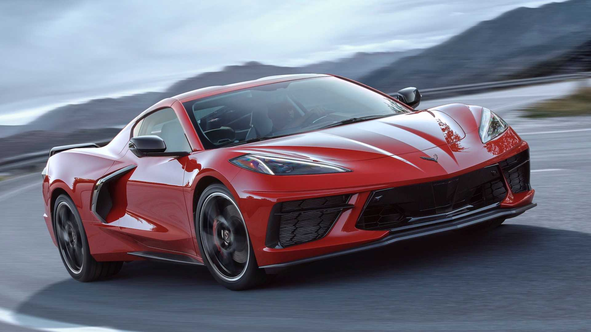 The eighth generation of the Chevrolet Corvette has already experienced something like a revolution when it switched to the mid-engine layout; now it looks like the iconic sports car will be getting an all-wheel drive system thanks to dual electric motors on the front axle.