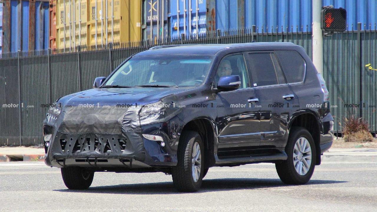 Патентное ведомство США получило заявку от «Тойоты» на присвоение авторских прав на товарные знаки TX350 и TX500h. Производитель пока не дает никаких комментариев, но, по мнению экспертов, обозначения достанутся будущим кроссам марки «Лексус».