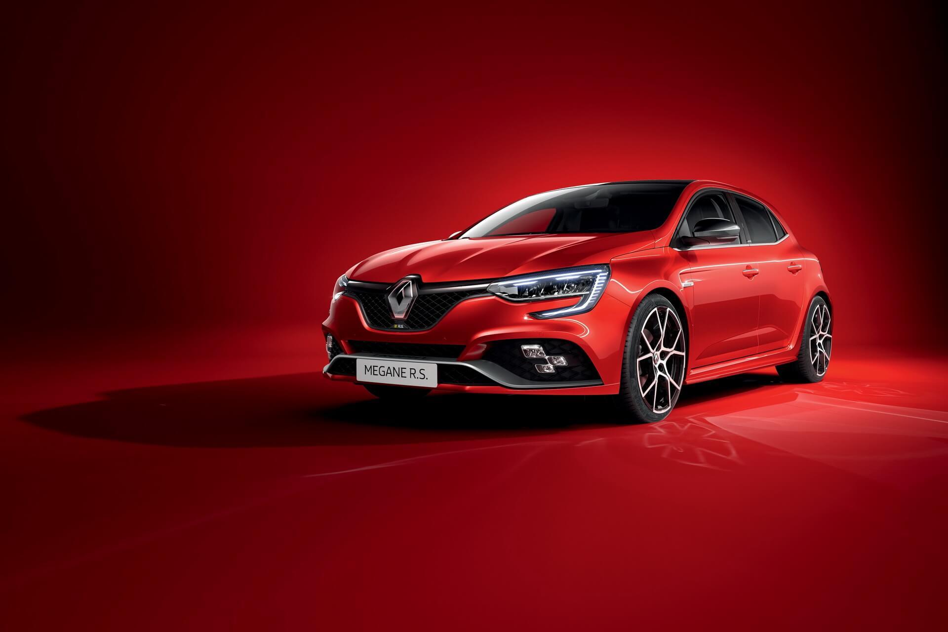 Генеральный директор компании Renault Лука де Мео планирует добавить в линейку модели Megane кроссовер.