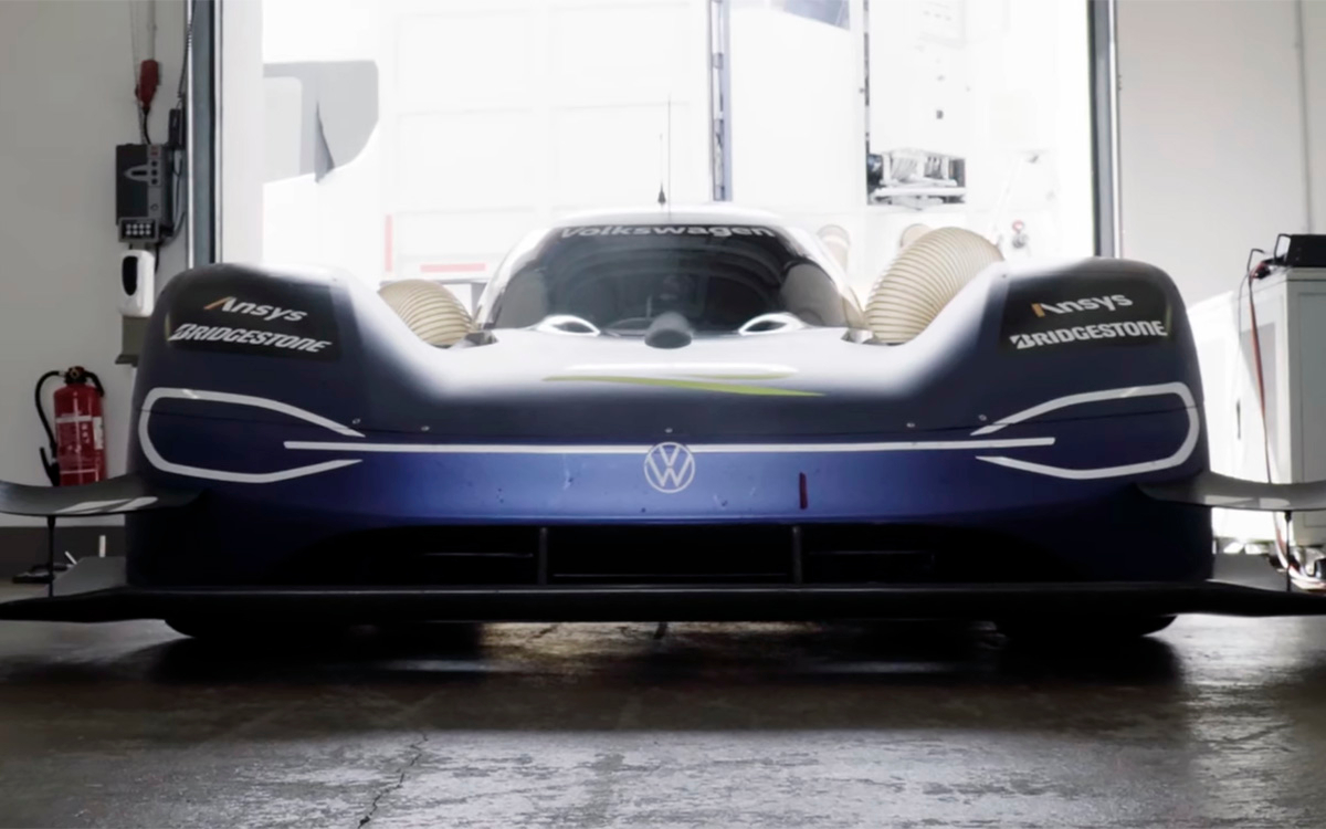 Volkswagen's one-off electric racecar concept – the ID.R – is the undisputed champion of the North Loop, 99 Turns, Pikes Peak and Goodwood as far as electric vehicles are concerned. A few days ago, the prototype racer set a record at Bilster Berg without even trying.