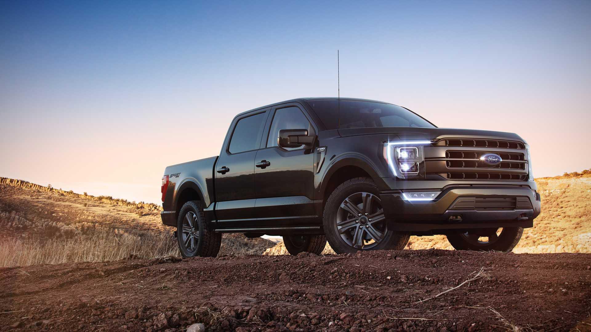 Компания Ford раскрыла информацию о линейке двигателей F-150 четырнадцатого поколения. Самая популярная в США модель совместила уже известные агрегаты с гибридной силовой установкой.