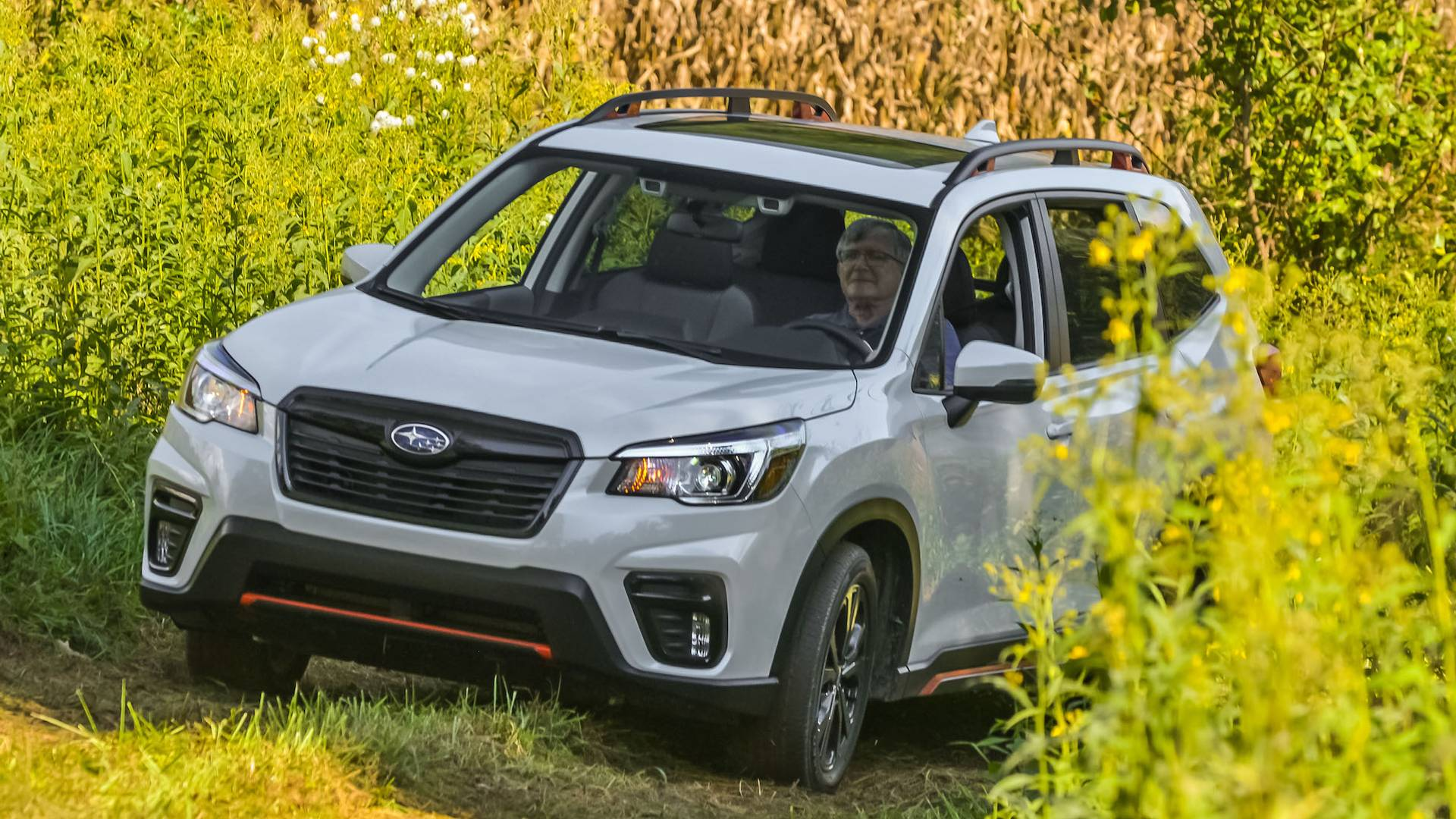 The latest 2018 Subaru Forester gets a new engine on its domestic market, specifically a 1.8-liter turbocharged mill good for 177 hp (132 kW) and 300 Nm (221 lb-ft) of torque. The new spec fills the gap left by the 2.5-liter non-turbo rated at 185 hp (138 kW).