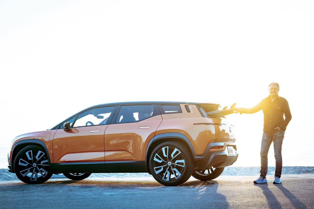 Фирма Fisker Inc. рассказала о грядущем дебюте серийного электрического кроссовера Ocean: премьера состоится на LA Auto Show в мае следующего года. Место выбрано неслучайно, ведь Лос-Анджелес является родным городом для компании.