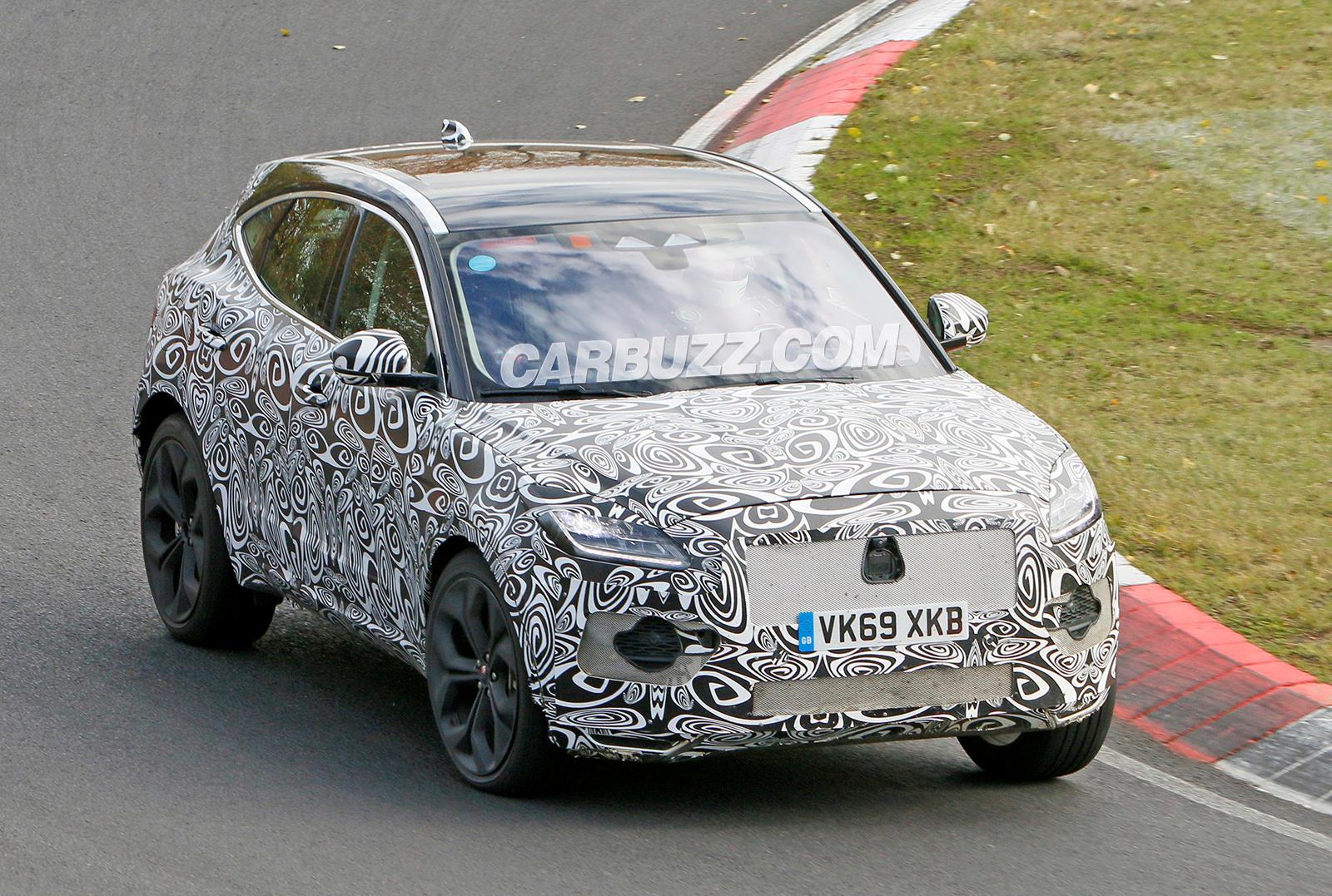 Всего за полтора месяца компания Jaguar обновила седаны XE и XF, а также кроссовер F-Pace. Задержался лишь компактный паркетник E-Pace, но и он готовится к рестайлингу: замаскированный прототип заснят на Нюрбургринге.