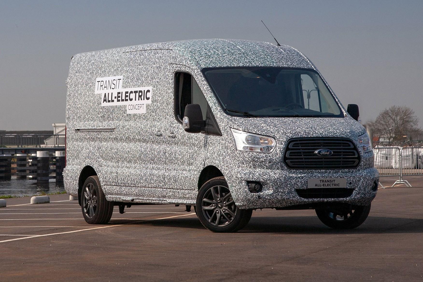 В прошлом году Ford Motor Company анонсировала Transit на электротяге, а теперь работа над новинкой завершена: гендиректор фирмы Джим Фарли пообещал премьеру уже в следующем месяце.