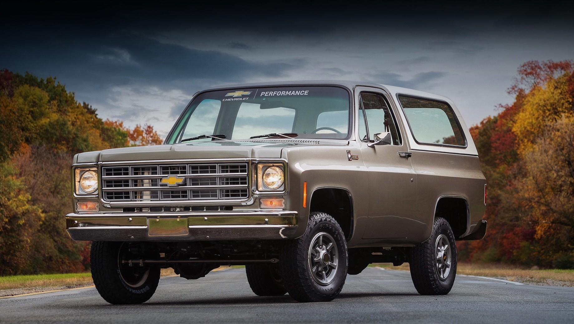 Отделение Chevrolet Performance выполнило «операцию» по пересадке полностью электрической силовой установки старому K5 Blazer 1977 г.в. Внедорожник покажут на выставке SEMA360.