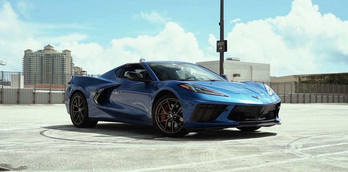 Концерн General Motors возлагает большие надежды на восьмое поколение Chevrolet Corvette, стремясь всеми силами поднять объём продаж. А это значит, что и тюнеры по всему миру будут активно разрабатывать для спорткара опции и аксессуары. На днях ателье BBS презентовало стильные кованые «катки» для купе и кабриолета.