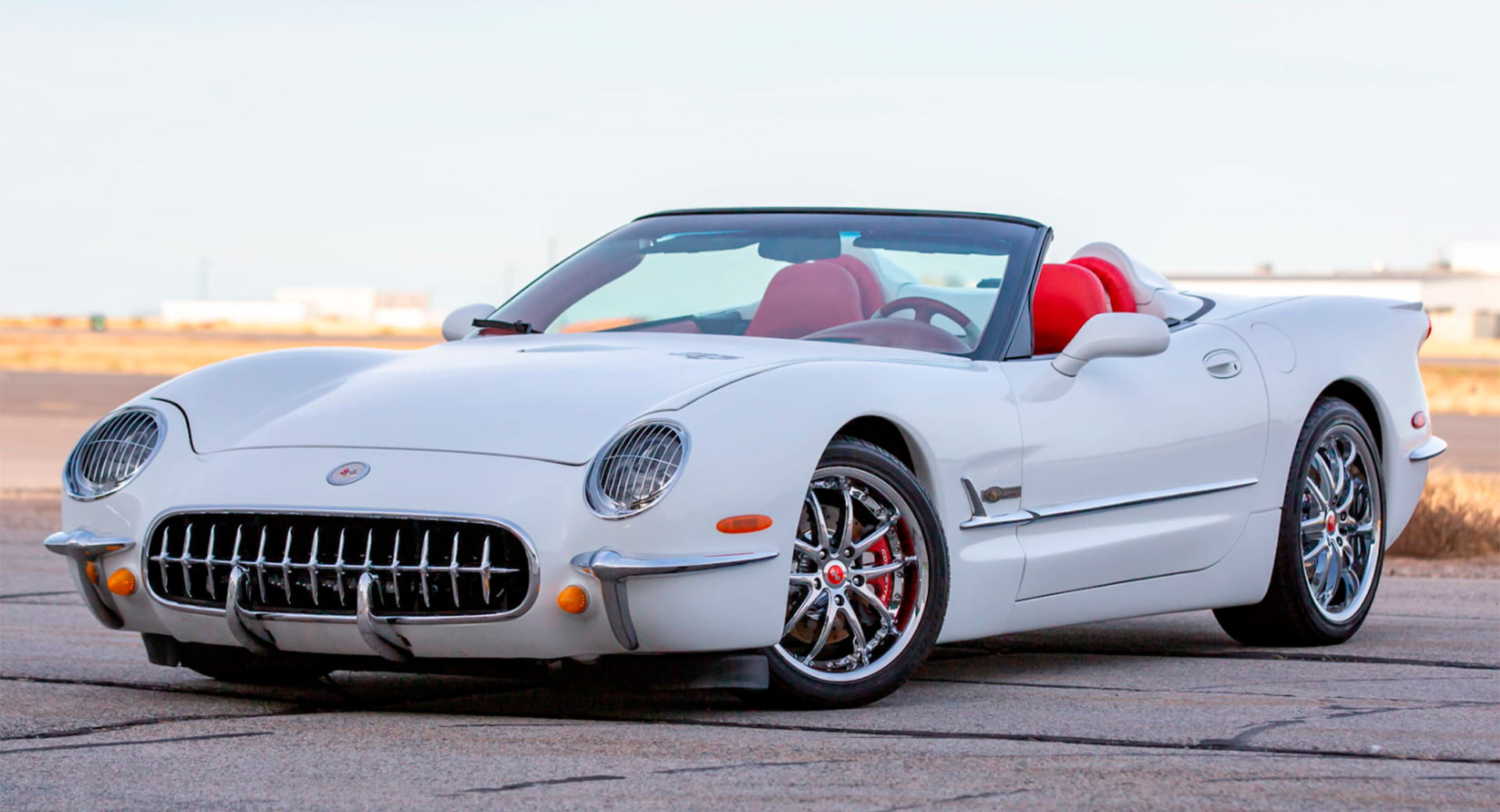 Created by Advanced Automotive Tech (AAT) from Michigan, these two unique restomods based on the 2003 Chevrolet C5 Corvette will go on sale this Friday. Both convertibles have been stylized to look like the first-generation model dating back to 1953.