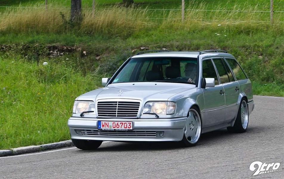 Немецкое тюнинг-ателье MKB Motorenbau все последние годы радовало нас доработками автомобилей Mercedes-AMG – в частности, 800-сильным S 63 и 700-сильным CLS 63. Но мало кто помнит, что на заре своей истории мастерская выполнила куда более необычный и ничуть не менее впечатляющий проект.