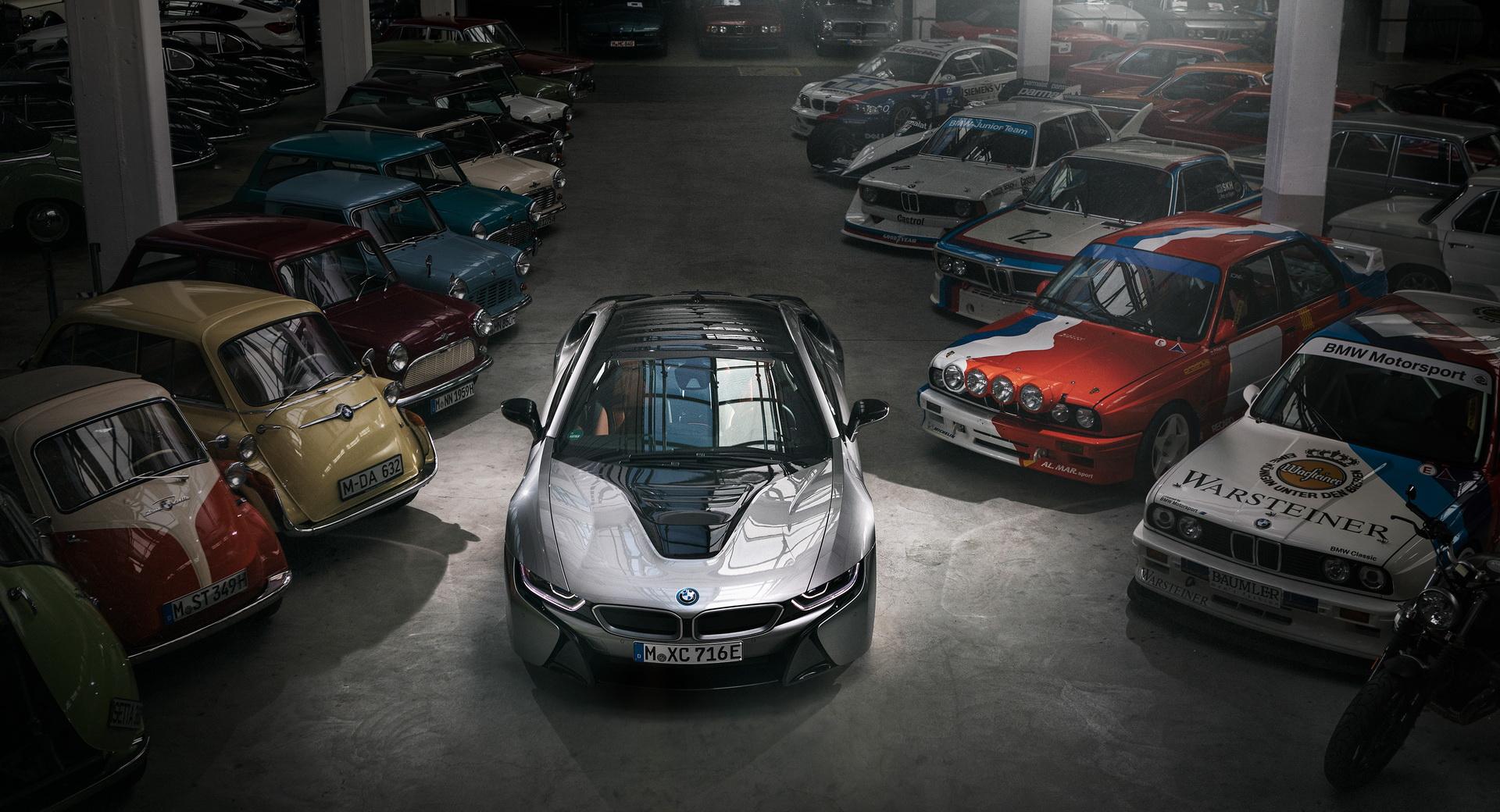 Полтора года назад ателье Alpina, занимающееся выпуском кастомных автомобилей повышенного комфорта и производительности на базе BMW, разработало проект «прокачки» гибридного i8, но так и забросила его, не начав производство. На днях стало ясно, почему.