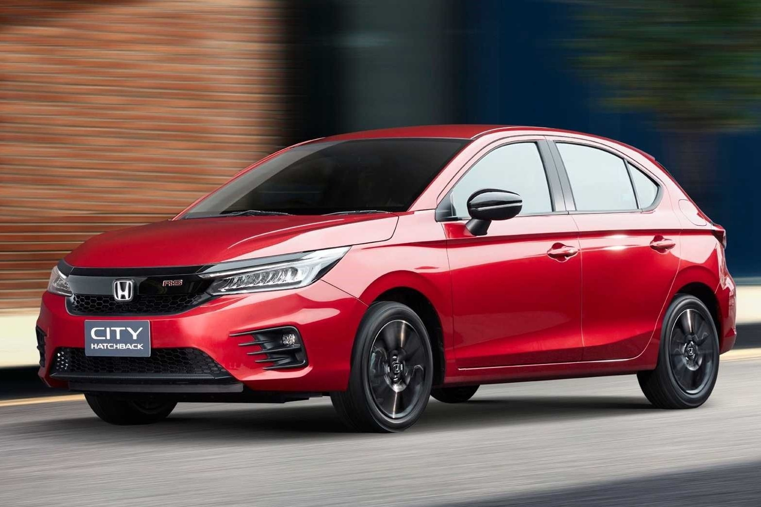 The new model comes based on the City sedan, but differs from it in the tech department and starts 20,000 Baht above (from 599,000 Thai Baht).