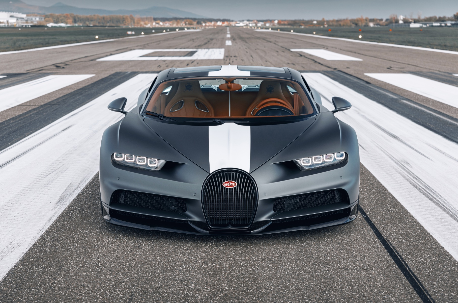 Bugatti's latest limited Chiron edition pays homage to the famous 20th century airplane pilots, coming out in a run of 20 units priced at €2,880,000 each.
