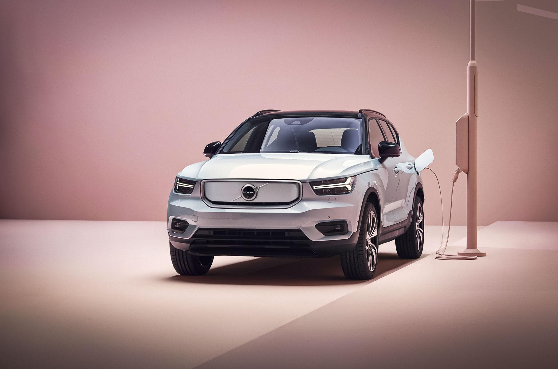 """Volvo Cars CEO Håkan Samuelsson said in an interview that the company would switch to producing and selling electric cars only by the year 2030. He went on to call internal combustion engines """"tech of the past"""" and supported their Europe-wide ban."""