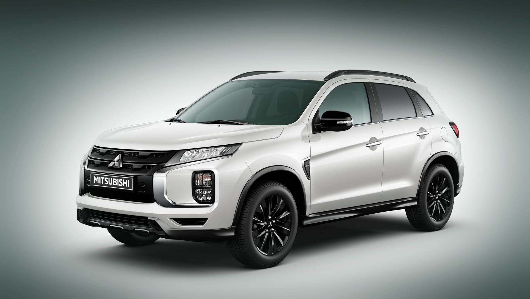 The Mitsubishi ASX went through a facelift in Russia last spring and now follows the example of its larger sibling, the Outlander, debuting in a new trim level called the Black Edition.