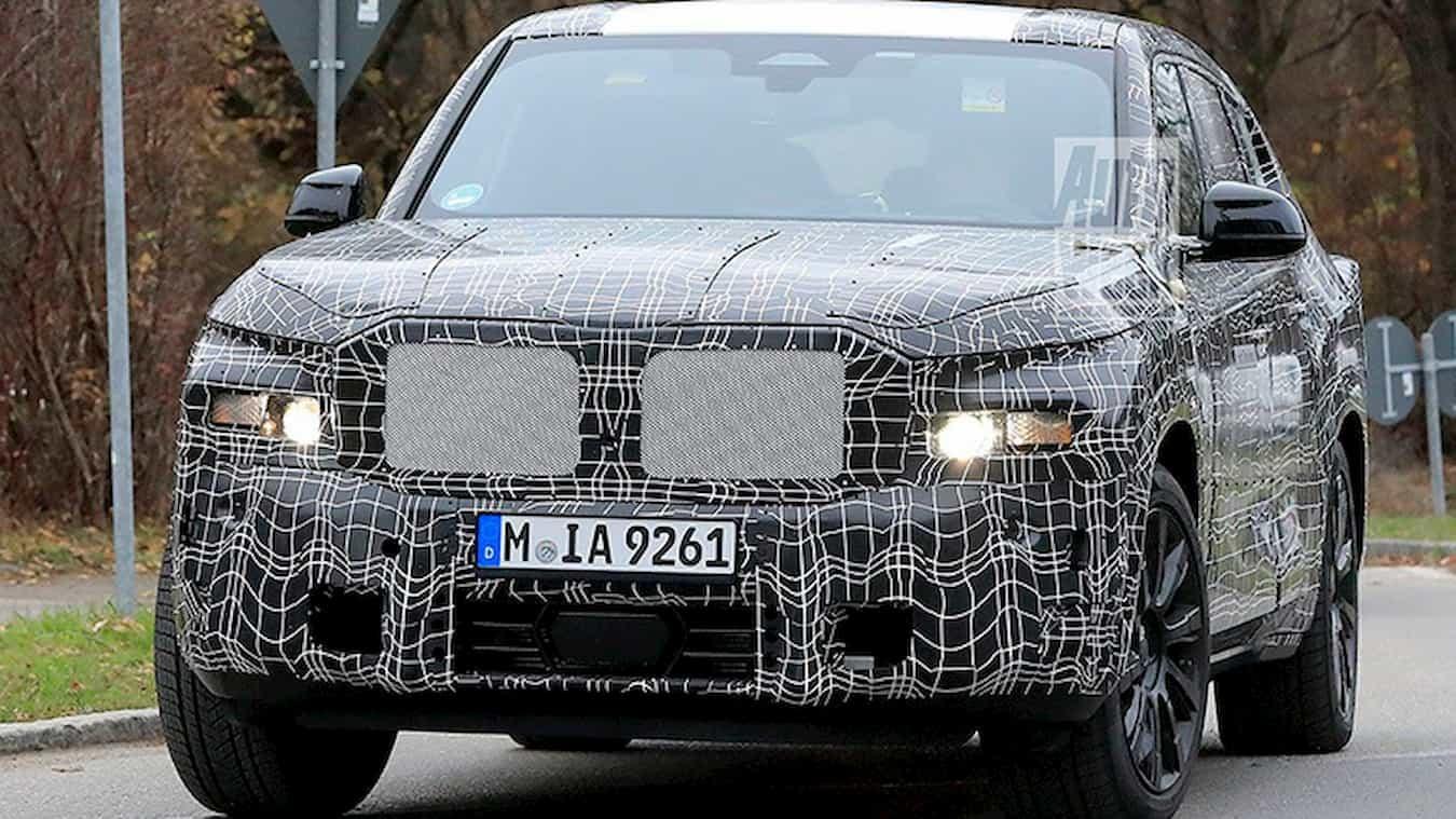 Баварский автопроизводитель «БМВ» готовит к выпуску свой будущий флагман X8, а на днях его сфотографировали во время тестов.