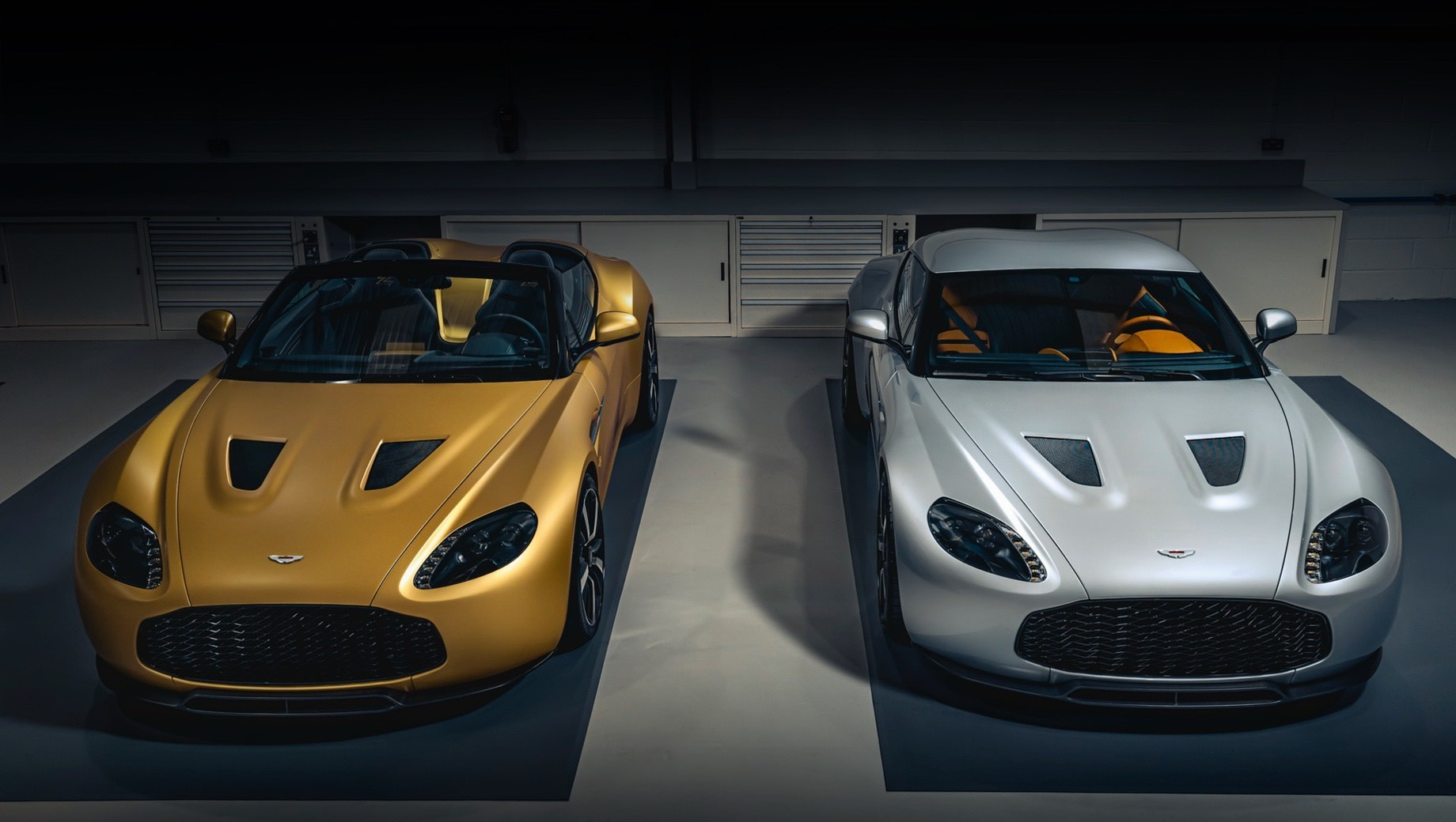 The opulent Aston Martin Vantage V12 went out of production a few years ago, but nothing can stop tuners from customizing the available vehicles. The Zagato Heritage Twins by R-Reforged edition will include only 19 coupe-roadster pairs, and the first pair just went to Andrea and Marelle Zagato.