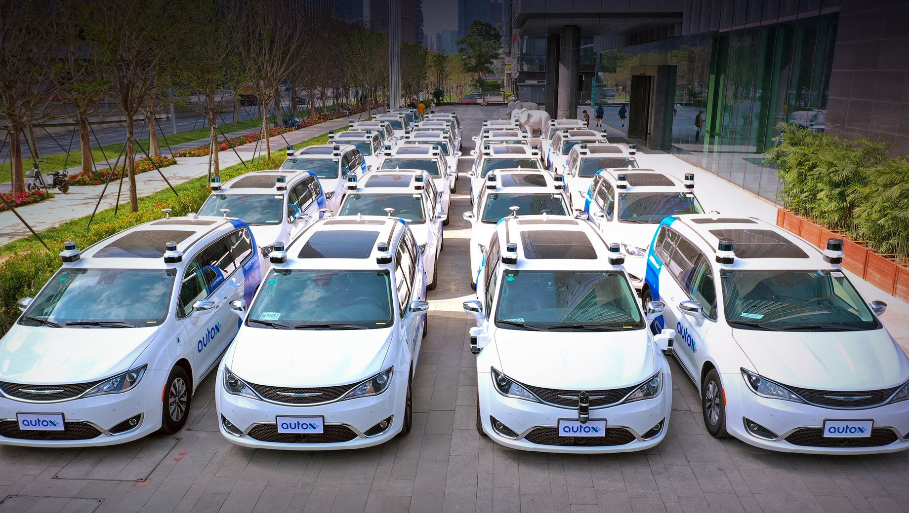 AutoX, a Chinese-American startup firm, has put several autonomous Chrysler Pacifica MPVs on public roads in Shenzhen, China. Interestingly enough, local authorities authorized the tests without drivers or any means of remote control.
