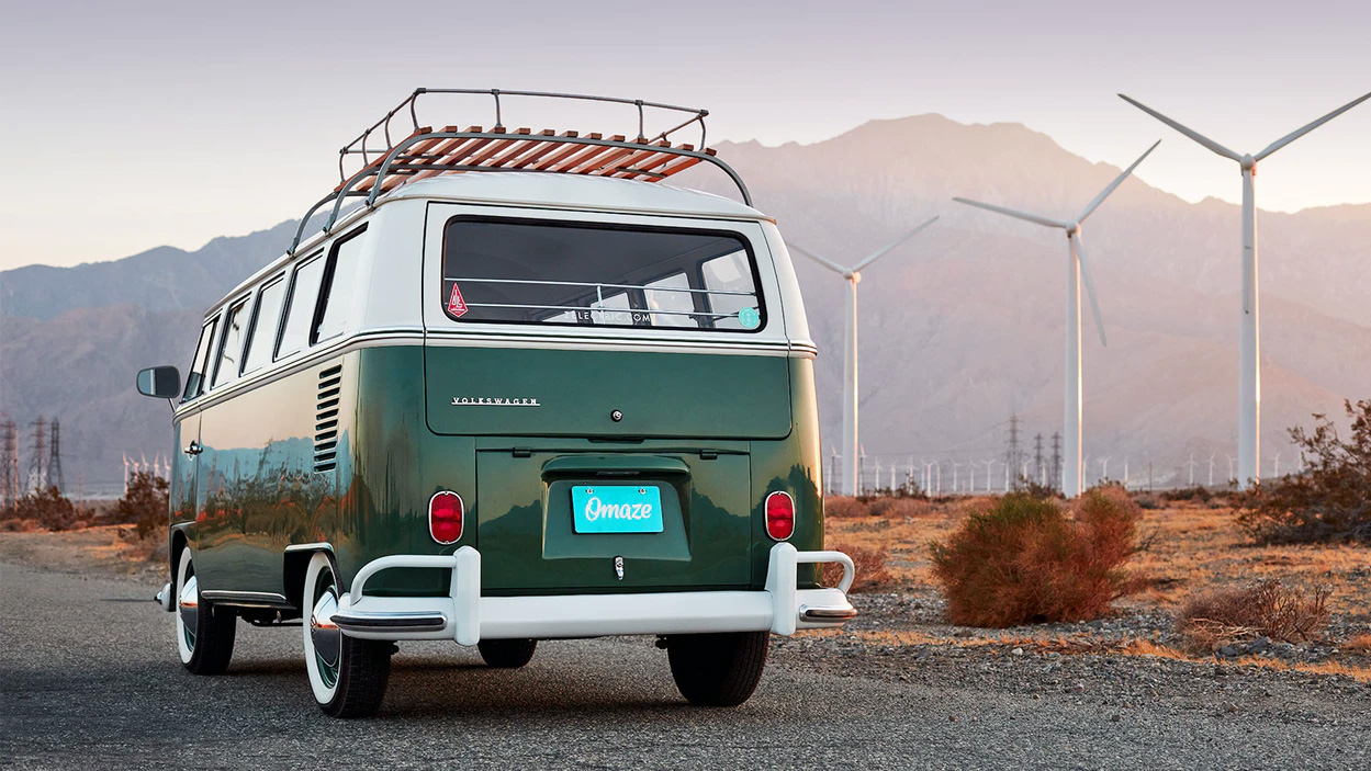 Omaze is arranging a prize draw with an electric Volkswagen Type 2 minibus as the main prize. The winner also gets U.S. $20,000, and the company will even pay all the taxes and deliver the prize.