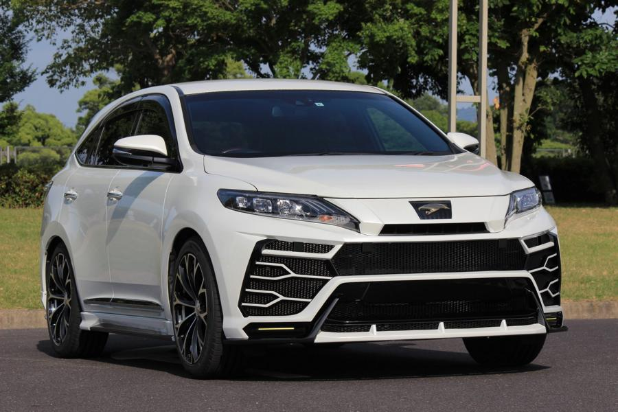 Lesser-known Japanese tuner Craftech has launched a styling package for the Toyota Harrier that is supposed to turn it into a Lamborghini Urus of sorts – or so the idea was, at least.