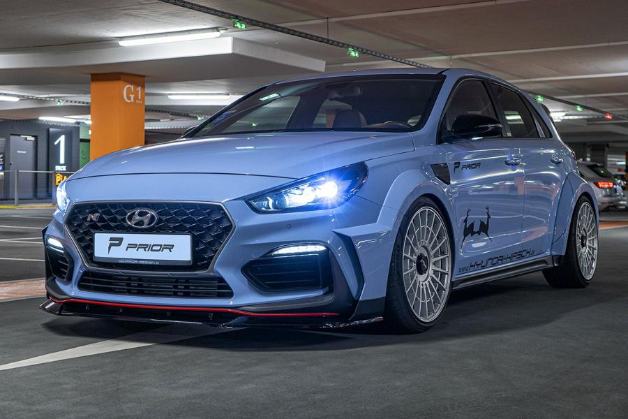 Hyundai has recently refreshed its favorite hot hatch, the i30N, landing it with numerous subtle improvements across the board. For the pre-facelift car owners not to be too sour, Prior Design came up with a neat styling package.
