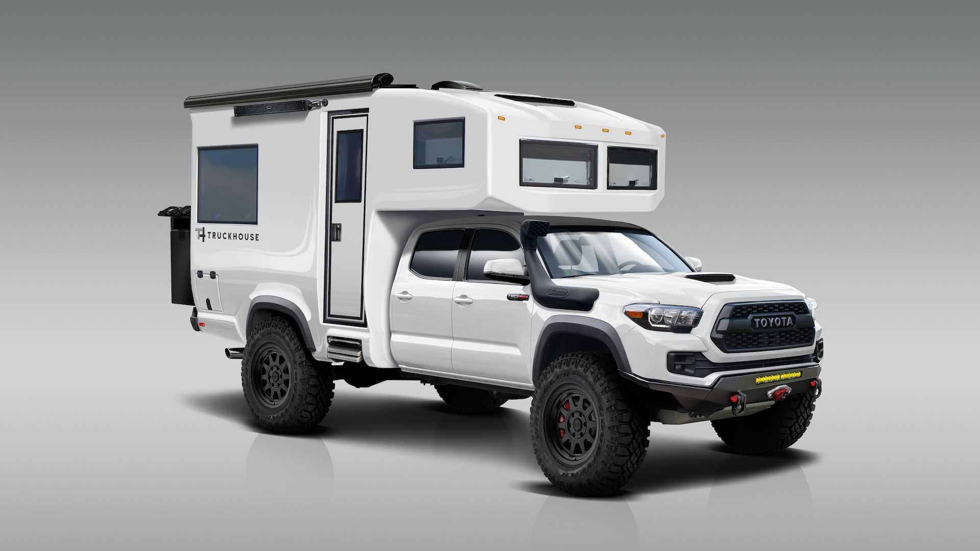 Что может быть лучше грузовика, превращенного в дом на колесах? Невадская компания TruckHouse представила проект BCT, который наверняка заставит трепетать сердца отдыхающих на бездорожье.