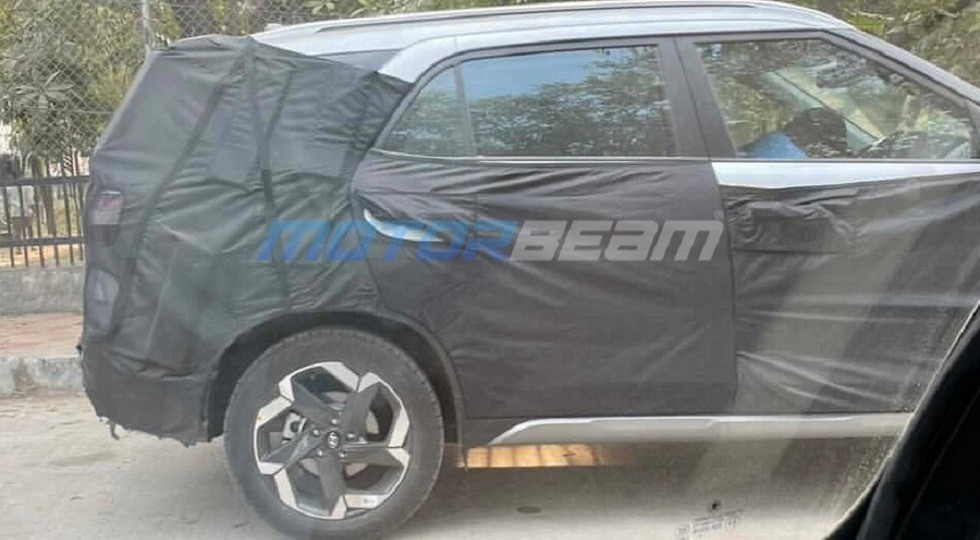 Hyundai has taken a seven-seat version of its Creta CUV out for tests in India. Reports are coming in that the car may change its name in addition to the seating formula.