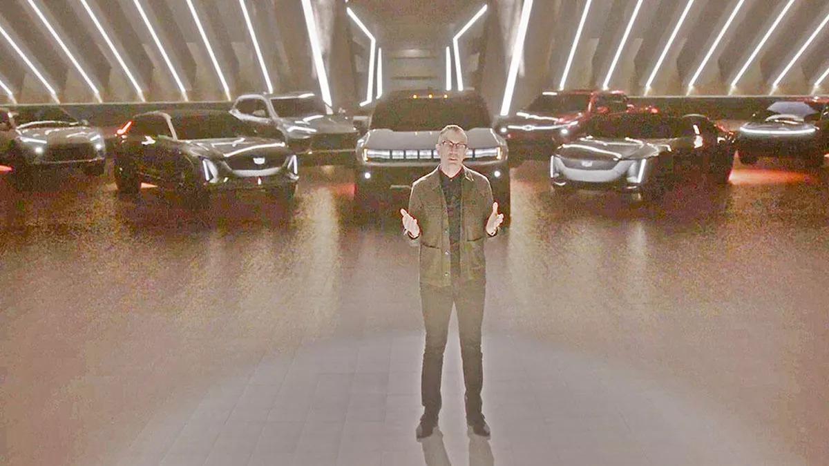 В рамках онлайн-выставки CES компания GM представила целую линейку электрических автомобилей, и все они неизвестны (ну, почти неизвестны). Премьеру провел Майкл Симко, вице-президент по глобальному дизайну.