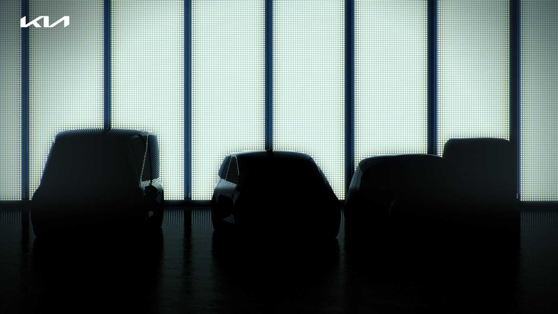 Мы уже писали о намерении корейского концерна Hyundai Motor выпустить соплатформенные электрокроссоверы под тремя марками – Hyundai, Genesis и Kia, а теперь последняя анонсировала свою новинку.