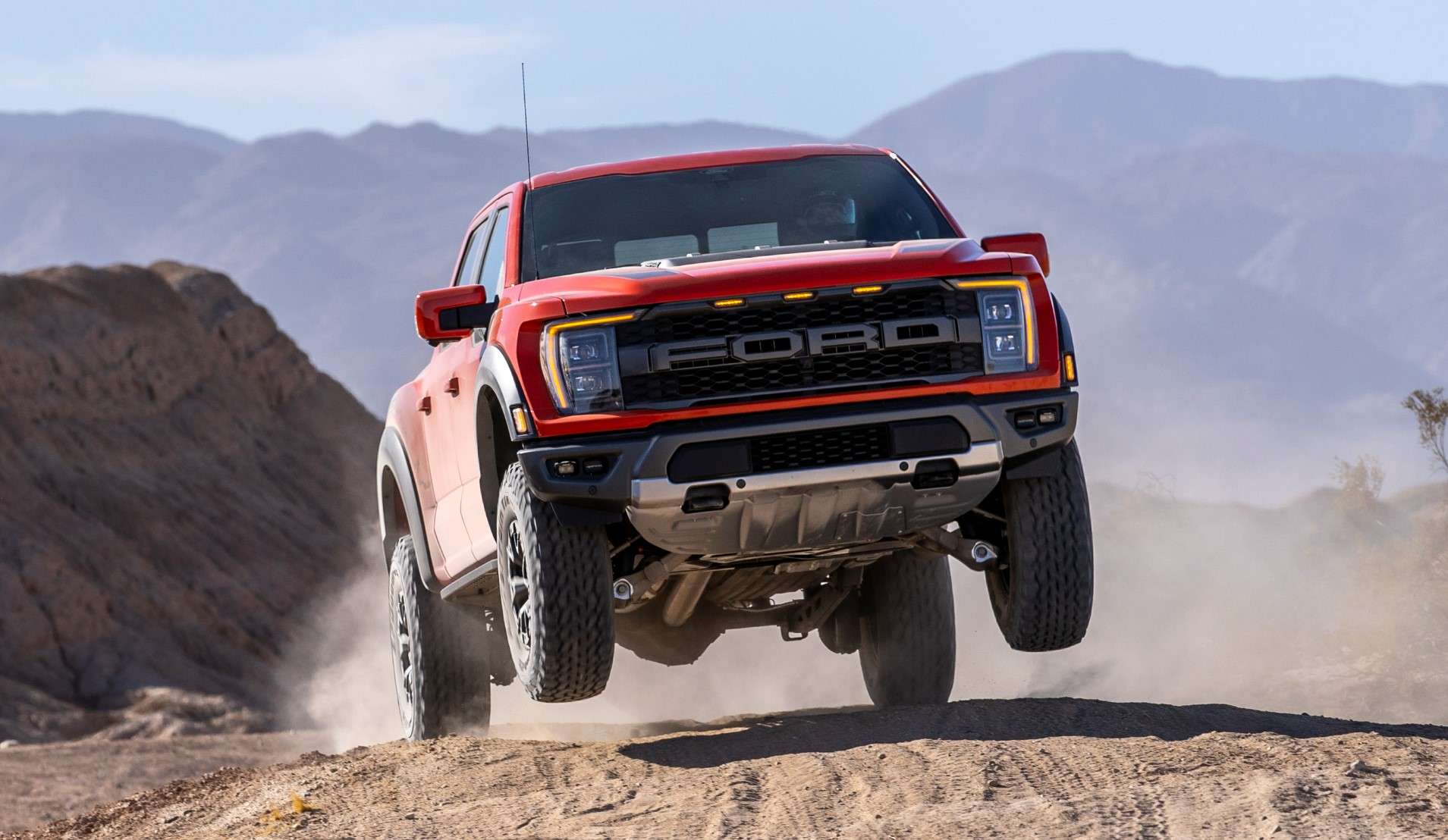 The performance-laden Raptor variant of the iconic Ford F-150 debuted in 2009 and has since become wildly popular, selling more units in the United States in 2017-2020 than all Porsche cars put together, or all Chevrolet Corvettes. Let's see what the latest iteration brings to the table, shall we?
