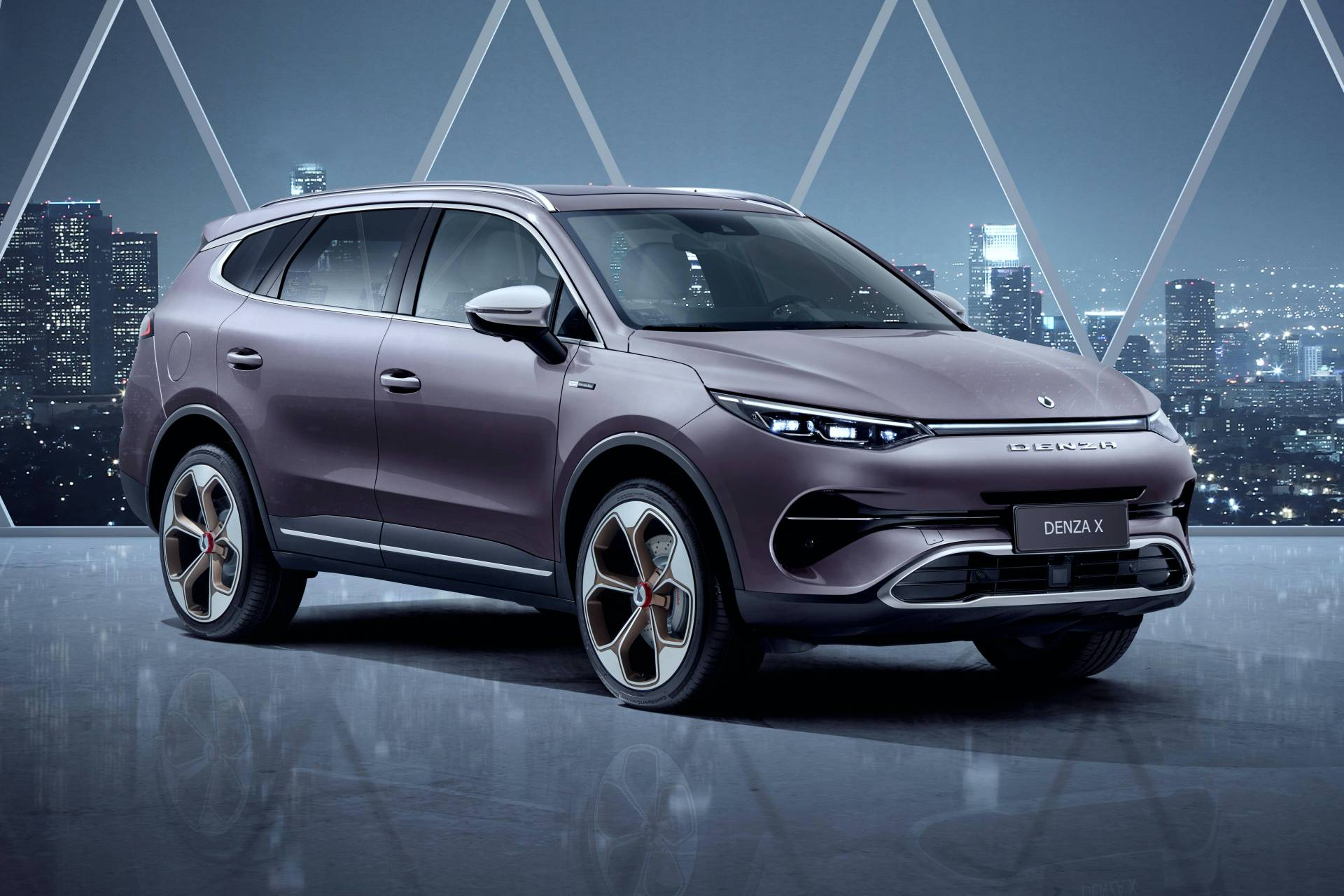 German Daimler AG and Chinese automaker BYD founded the Denza marque nine years ago, but with the X SUV being its only surviving representative now, perhaps time has come to wave it goodbye.