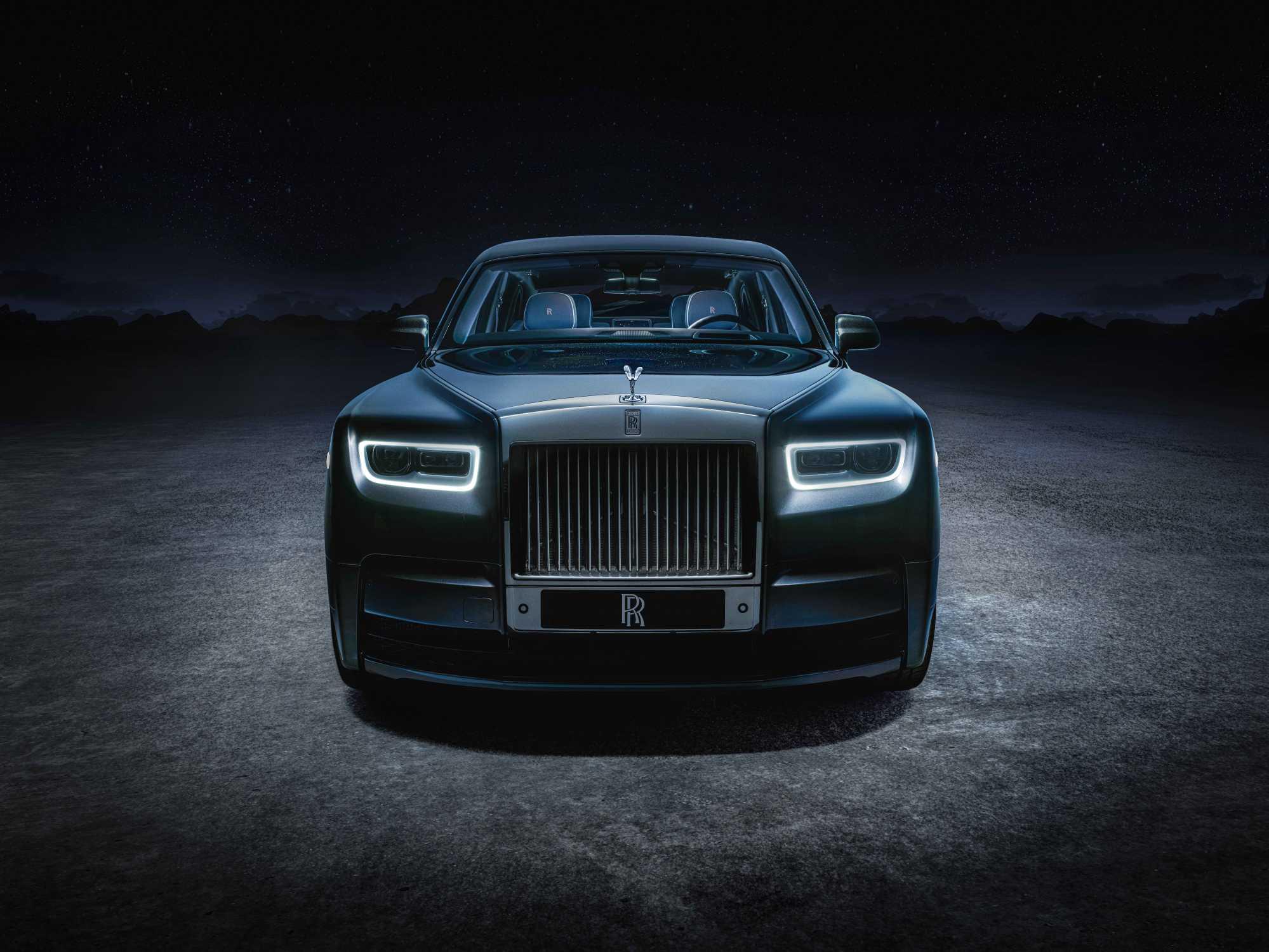 Rolls-Royce Phantom обрёл исполнение Tempus Collection, вдохновлённое бесконечностью Вселенной, феноменом времени и астрономическими событиями.