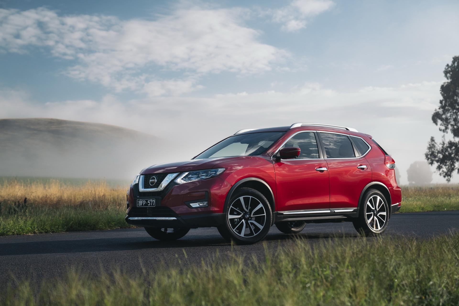 У Nissan есть совершенно новый X-Trail (на видео), который продается на некоторых рынках, но не в Австралии. На южном континенте его лишь слегка обновили в попытке сохранить конкурентоспособность в сегменте компактных внедорожников.