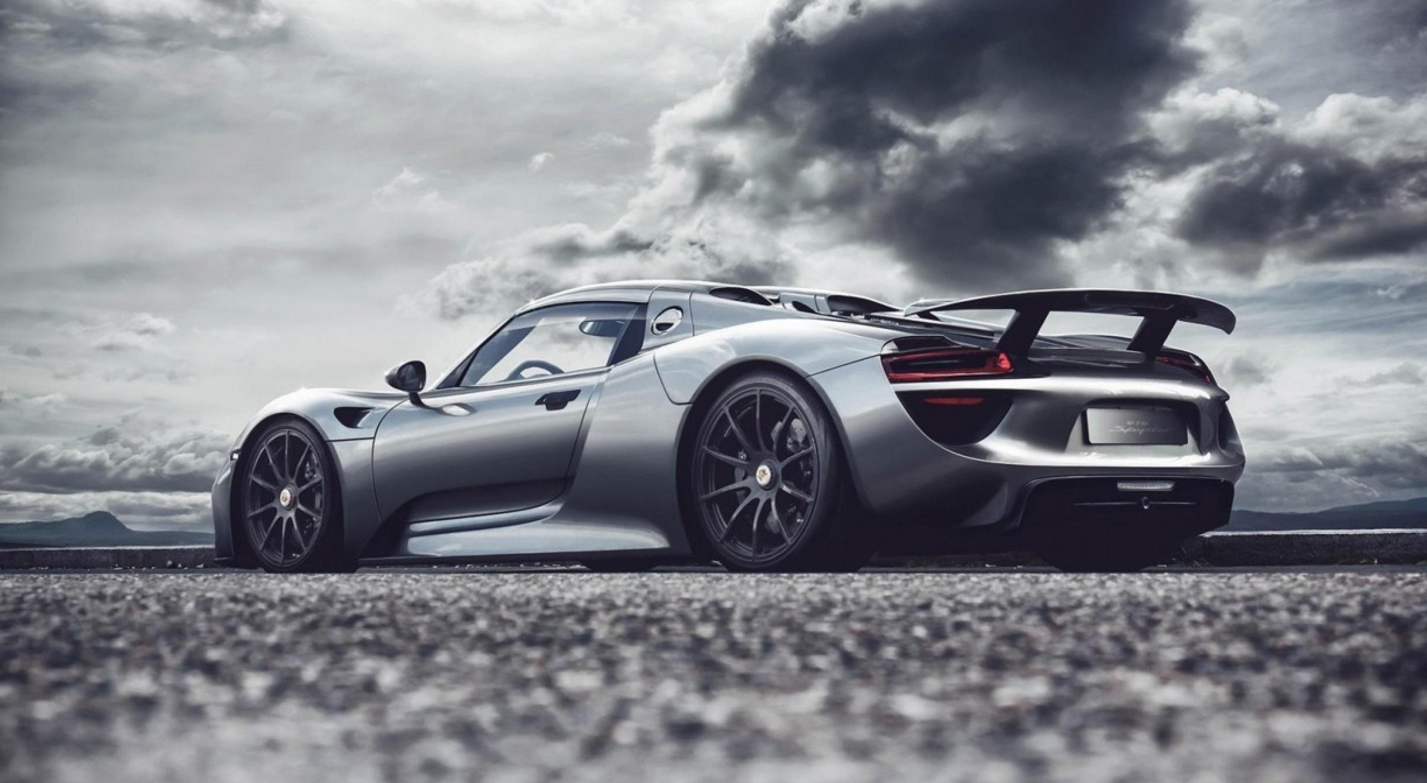 Босс Porsche Оливер Блюм объявил, что наследник модели 918 Spyder (на фото и видео) дебютирует лишь спустя несколько лет, так как разработка гиперкара не является для марки приоритетной задачей.