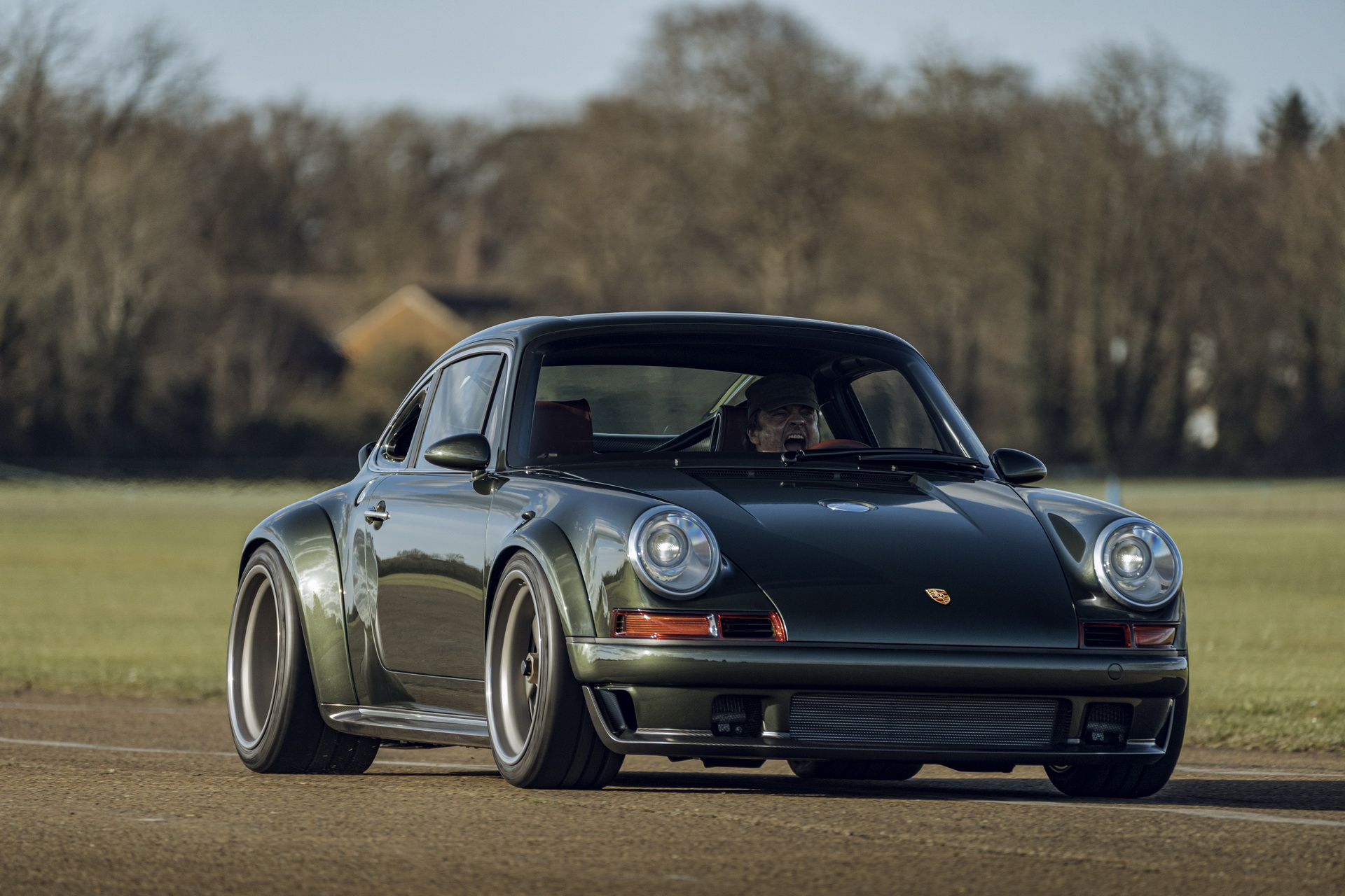 Singer Vehicle Design has wrapped up working on a 1989 Porsche 964, converting the sports coupe into the ultimate restomod. Singer Board Chairman Rob Dickinson himself test-drove the car and said it was 'a fantastic experience'.