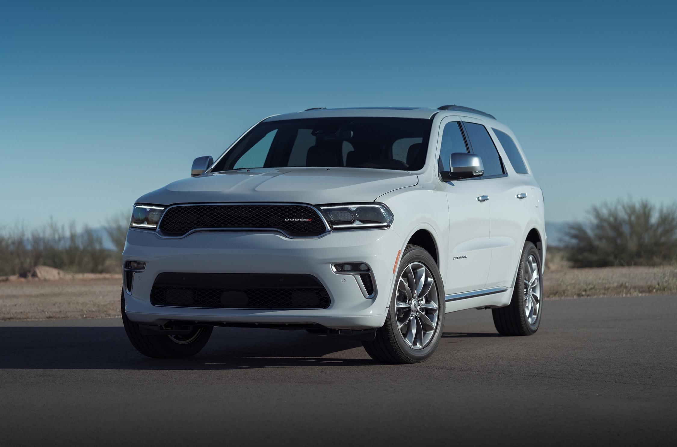 It seems that Dodge has gone back on its promise to limit the production run of its Durango SRT Hellcat SUV to just 2,000 units: According to company executive Bob Broderdorf Jr., there were simply too many orders.