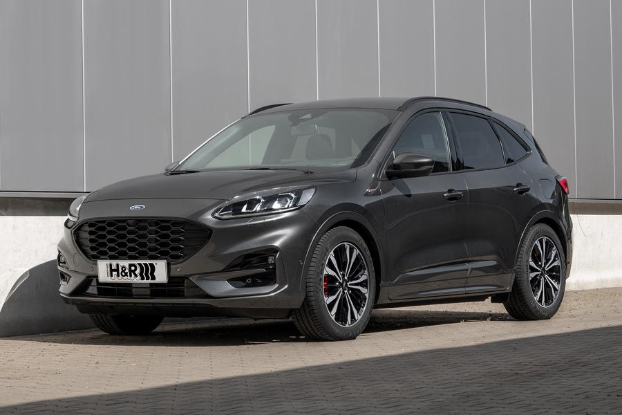 In its latest generation, the Ford Kuga gets a hybrid version that should secure brisk sales in Europe for the SUV. Aftermarket suspension specialist H&R has just started selling a lowering spring kit for it.