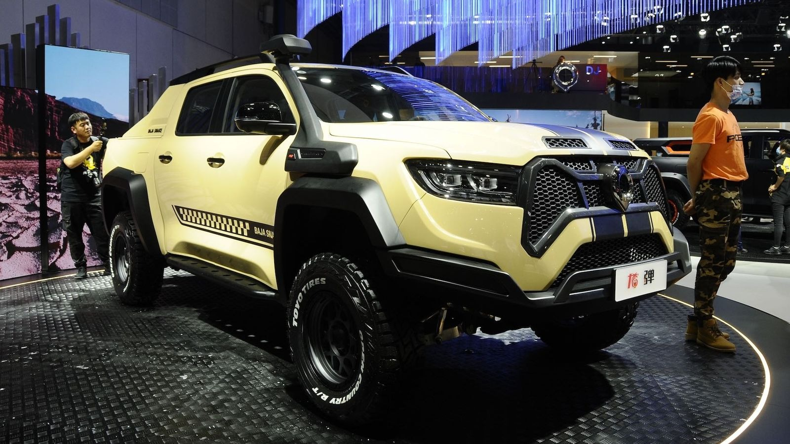 Great Wall has prepared a special version of its Pao pickup truck named the Baja Snake. Unlike its production counterpart featured in the video here, the show car boasts a seriously upgraded suspension with 300 millimeters (11.7 inches) of ground clearance.