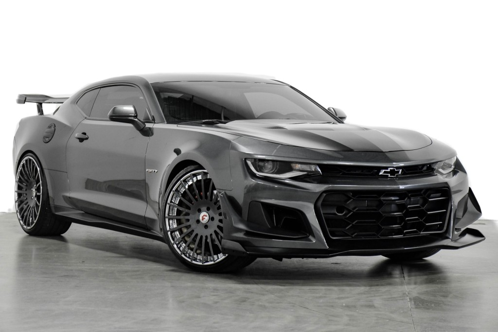 A showroom in Texas has recently posted an ad for a 2017 Chevrolet Camaro 2SS with a SEMA show background and ZL1 1LE looks. The car certainly looks good, but is it U.S. $46,896 good?