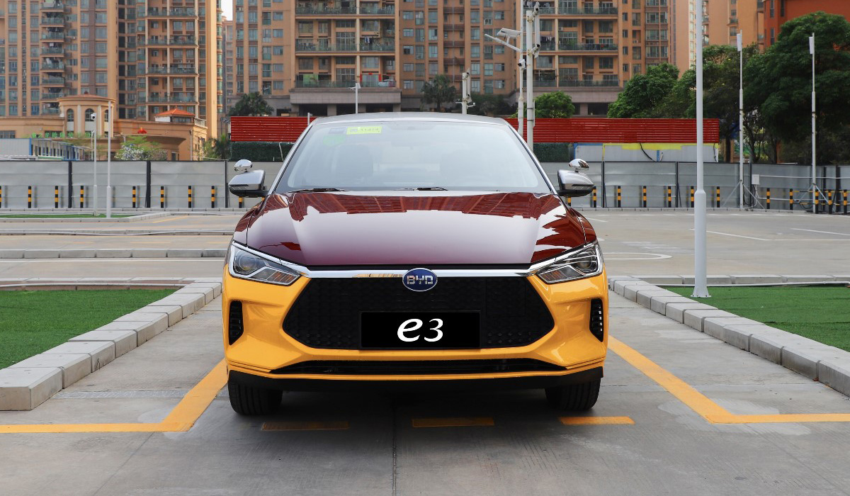 Can you imagine an electric car switched manually? Well, there's the Fukang e-Elysee, an affordable sedan that uses a stick shift to keep the prices down. And then there's the new BYD e3, a battery-powered sedan that imitates mechanical gear switching to help young drivers learn the ropes.