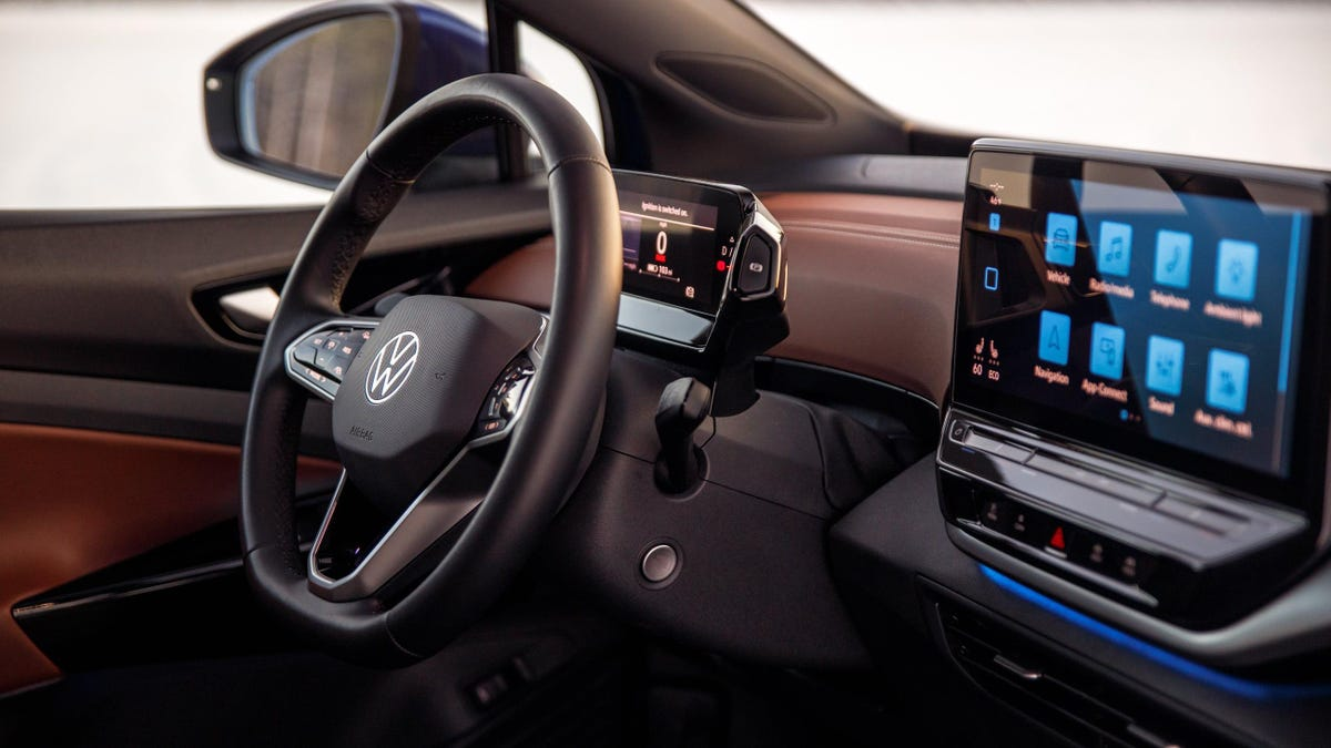 According to Volkswagen AG exec Klaus Zellmer, the company intends to provide self-driving cars to its customers on a subscription basis at €7/hour, with the freedom to activate and deactivate it at any time.