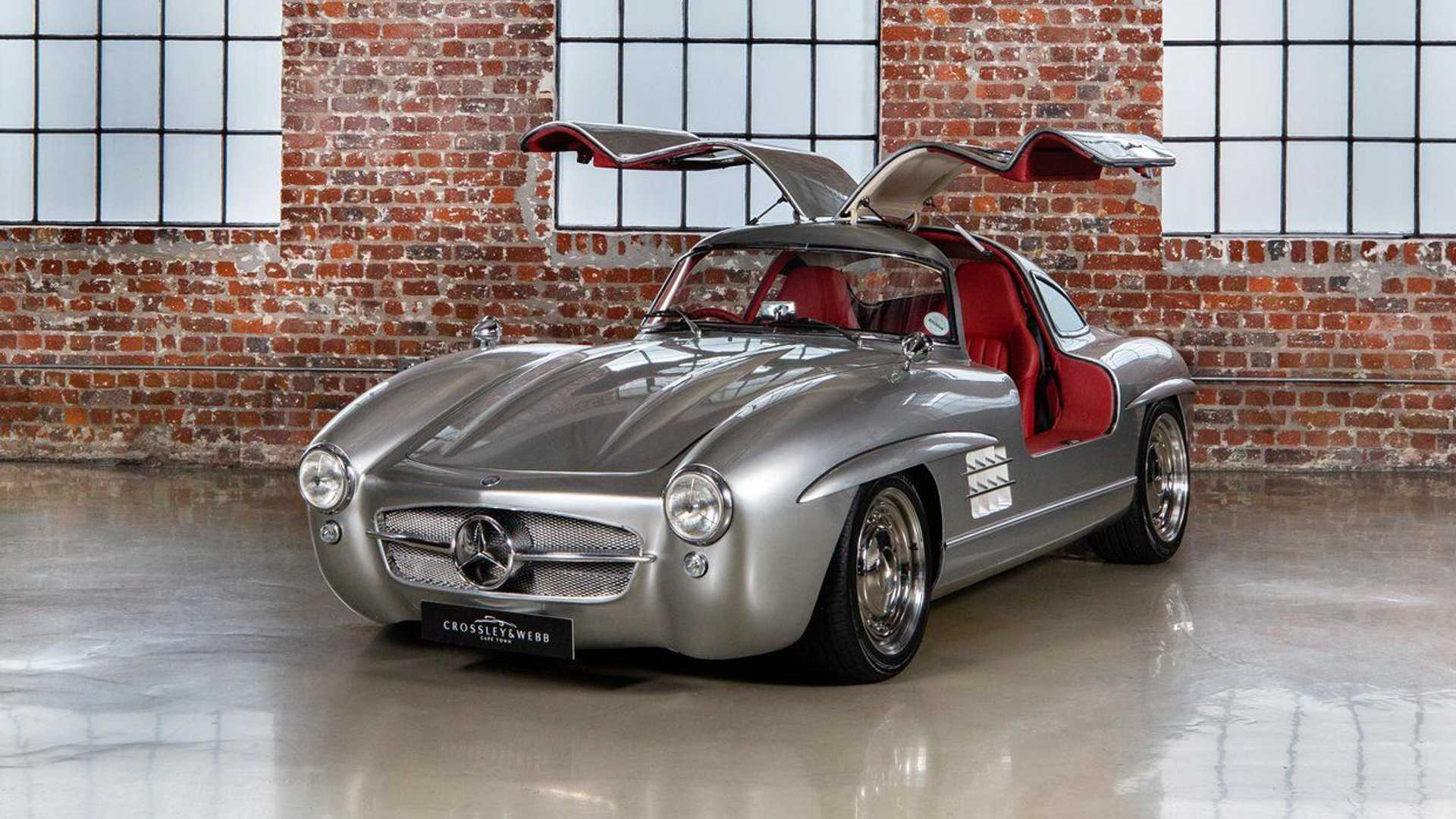 An imitation of the iconic Mercedes-Benz 300SL dating back to the 1950s is currently up for grabs in South Africa. A 2001 Mercedes-AMG SLK 32 provides the underpinnings.