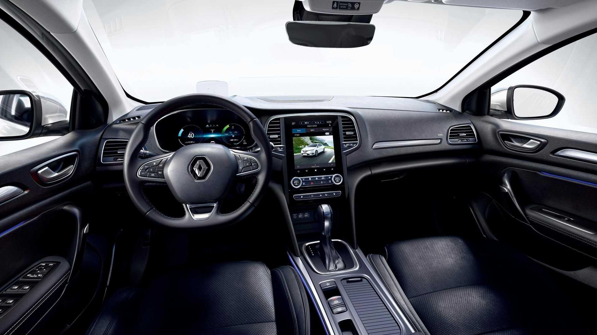 Универсал Renault Megane Estate (см. видео) обрёл гибридную систему E-Tech ещё в прошлом году, а теперь она досталась и хэтчбеку.