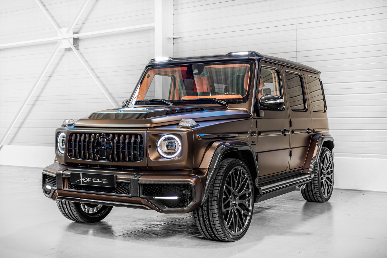 The new Mercedes-AMG G63 enjoys a rather unique market standing, being equally popular among luxury car connoisseurs, off-roading enthusiasts, and tuning aficionados. With its latest project, Hofele may as well have been targeting all three groups at once.