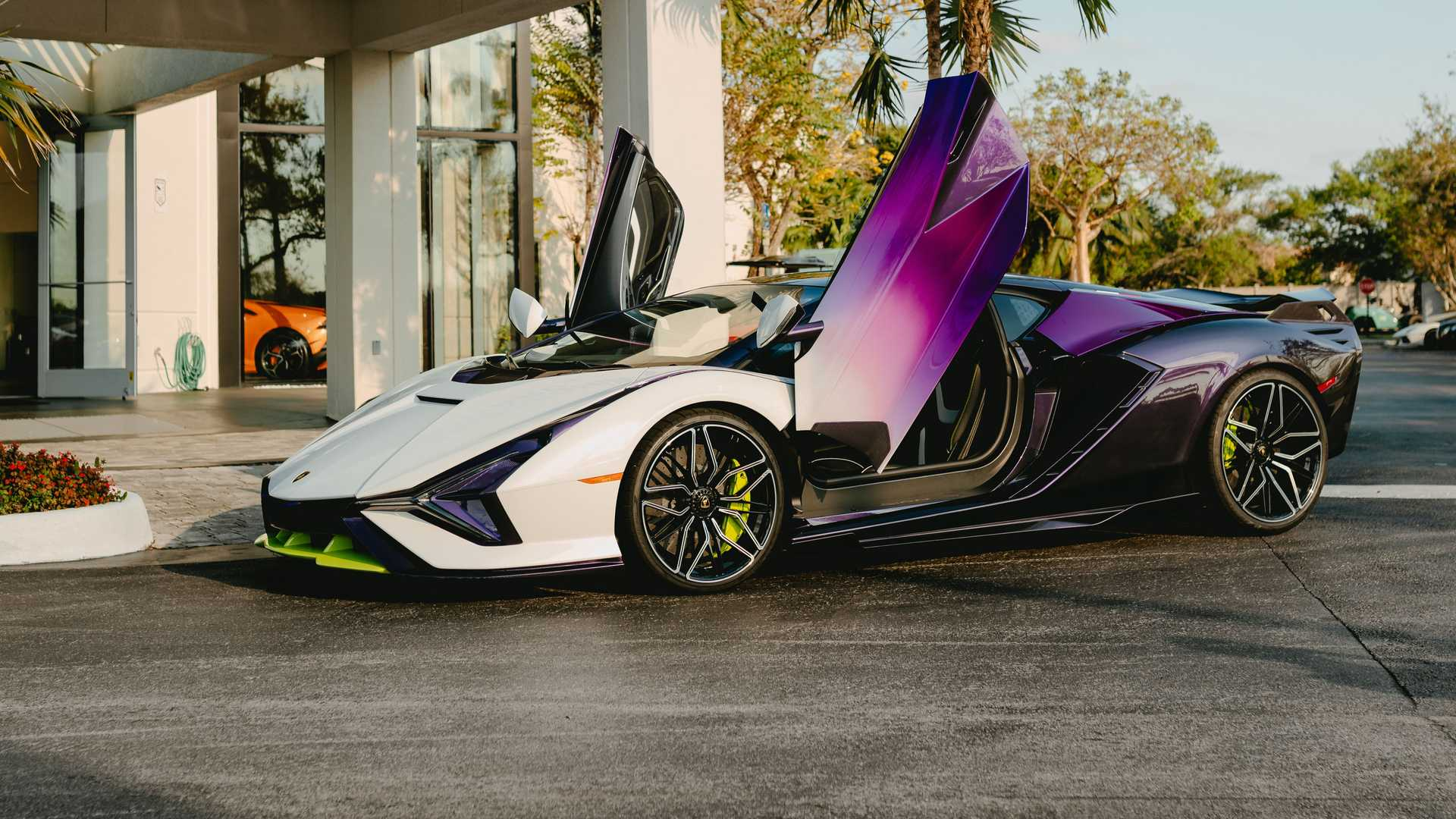 Lamborghini's resplendent Sian hypercar is considered among the most impressive automotive designs of today. Limited to 63 coupes worldwide and just 3 units for the UK, this example from London could be a one-in-a-lifetime sight for most of us.